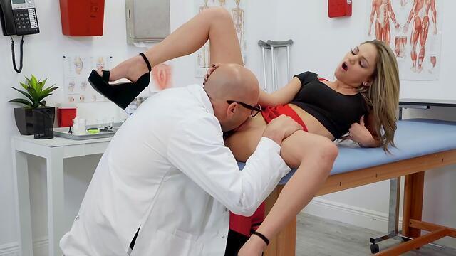 hot secretary  gives head